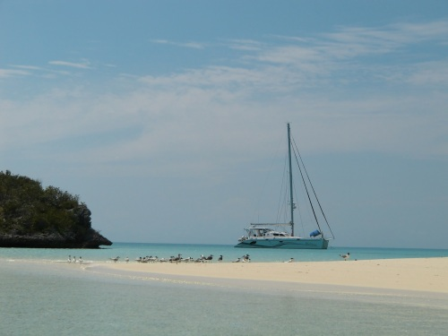 Suliere at anchor in Racoon Cay
